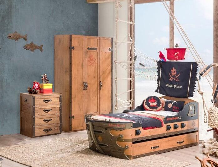 Kinderzimmer-Pirat-braun-3-teiliges-Spar-Set-mit-Schiffbett-Kleiderschrank-und-Wa-schekommode-Cilek